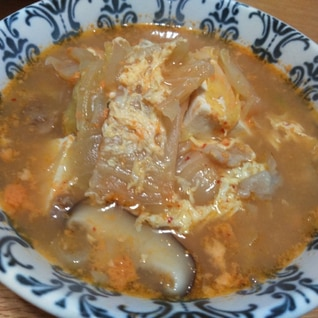辛くないキムチスープ