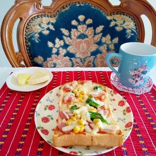 菜の花とコーンのピザトースト