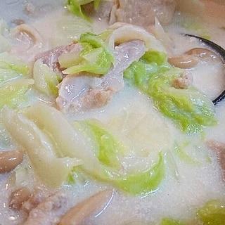 鶏もも肉と牛乳で!白菜のクリーム煮