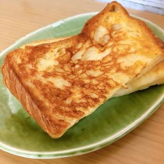デニッシュ食パンでしみしみフレンチトースト