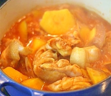 鶏肉とさつまいものピリ辛蒸し煮