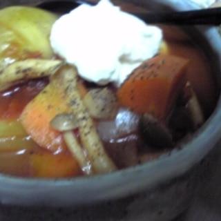 ロシアのボルシチ風トマトスープ