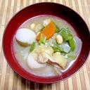 根菜、大豆に具沢山味噌汁
