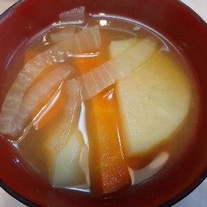根菜さん集合!じゃがいもと人参と玉ねぎの味噌汁