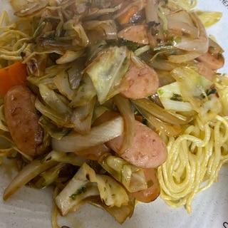 残り野菜でつくる中華風あんかけかた焼きそば