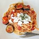 茄子とベーコンのトマトソースパスタ