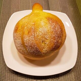ふわふわ!かぼちゃの形の かぼちゃパン!