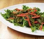 エンダイブと茎わかめのサラダ