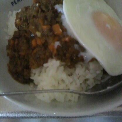 初キーマカレーです(^o^)たくさん野菜食べれておいしいし、最高ですね(^-^)bごちそうさまでした(^^)v