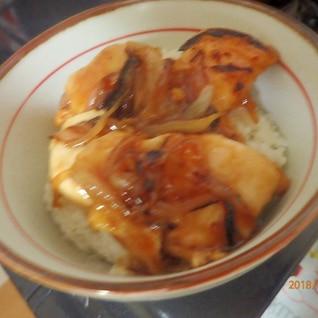 チキン照り焼き丼(豚丼のたれ使用)