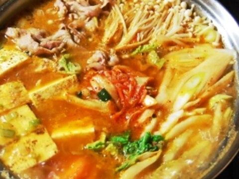 ネギ・生姜・胡麻たっぷり!絶品スープのキムチ鍋