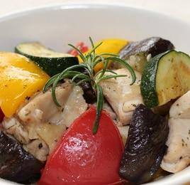 鶏もも肉と夏野菜のソテー