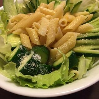 味の変化を楽しむペンネのサラダ