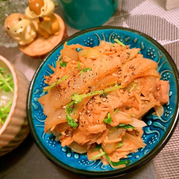 豚ヒレ肉味噌漬と玉ねぎとえのきのマヨぽん炒め