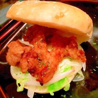 夏に食べたい!ライム塩唐揚げバーガー