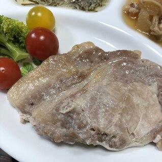 塩麹で柔らか☆豚ステーキの焼き方