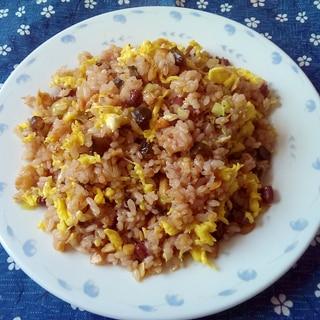 小豆ご飯のピリ辛にんにくチャーハン