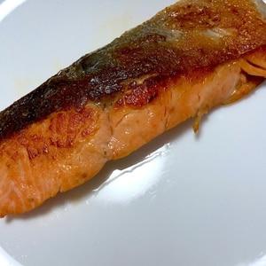 フライパンで簡単!洗い物が楽になる焼き鮭