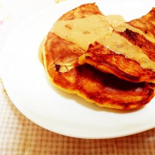 黄粉クリーム添え♪米粉のバナナパンケーキ