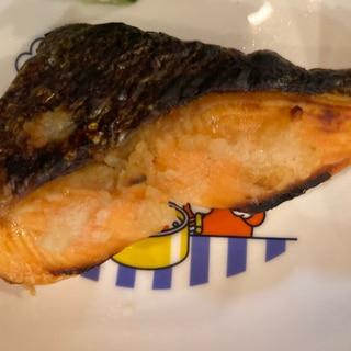 銀鮭のガーリック塩バター焼き