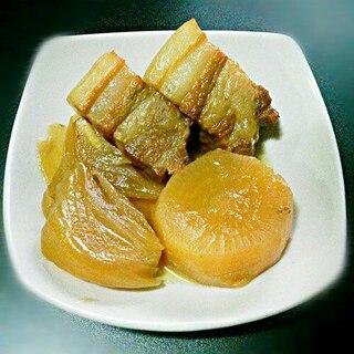 【簡単】豚の角煮と玉ねぎ、大根の煮物
