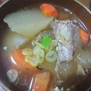 大きめ大根とサバ缶のスープ