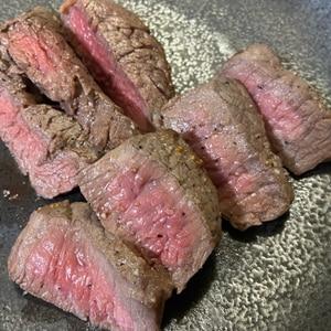 失敗しない牛ステーキの焼き方。慌てないでじっくりと