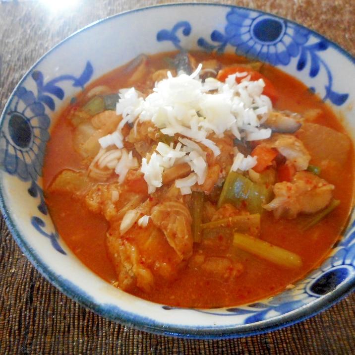 小松菜と白菜のピリ辛煮込みうどん