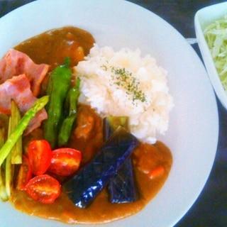 レトルトで超簡単!カフェ気分な夏野菜カレー♡