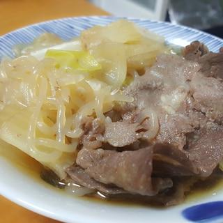 牛バラ肉と白菜のすき焼き風煮込み