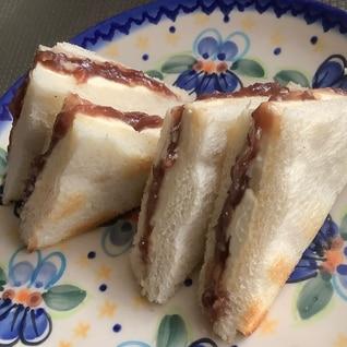 あんことクリームチーズのホットサンドイッチ