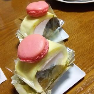 桜餡入りロールケーキ