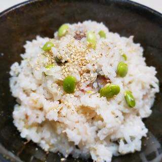 【栄養たっぷり妊婦メシ】枝豆と梅の炊き込みご飯