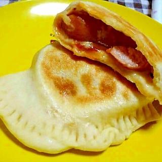 チーズ&ソーセージ包み☆もっちりカルツォーネ