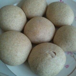 全粒粉で基本の丸パン