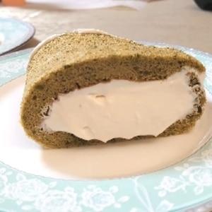 卵2個超しっとり!クリーミーロールケーキ