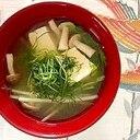 水菜、木綿豆腐、ブナシメジ、おかひじきのお味噌汁