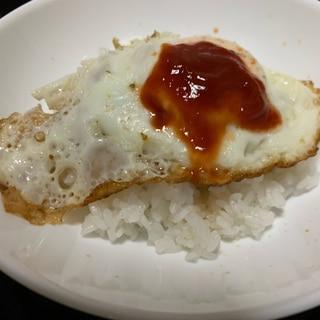 美味しいソースをかけて★目玉丼★