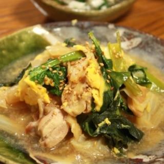 鶏と白菜と小松菜の卵とじ