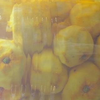 皮を使ったあとの柚子の焼酎漬け