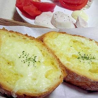 フランスパンのチーズトースト