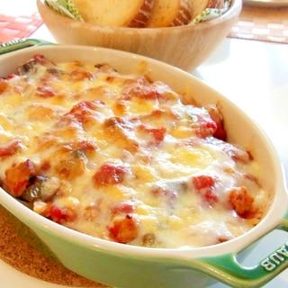 野菜とチキンのトマトグラタン