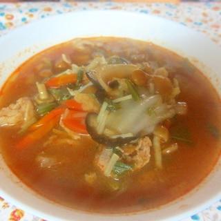 豚肉、シイタケ、なめこのピリ辛スープ