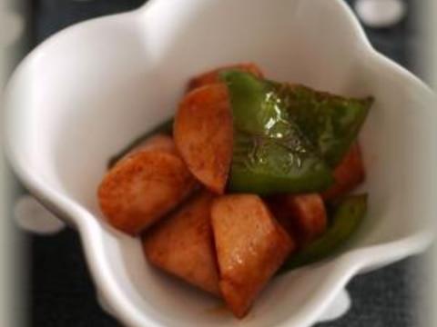 お弁当に♪魚肉ソーセージとピーマンのケチャソース
