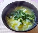 春キャベツとほうれん草の味噌汁