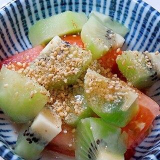 キウイとトマトの和風サラダ