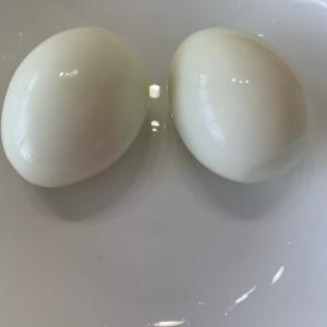 ゆで卵 昭和遺産?の缶切りで殻をむきやすく