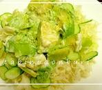 そら豆とアボカドのグリーンサラダ