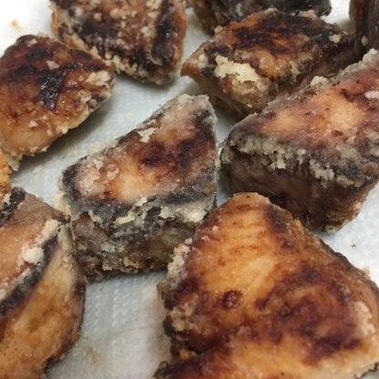 下味の染みたブリの竜田揚げ、とても美味しいですね!揚げたてはもちろん、お弁当で冷めた状態でも美味しかったです^^