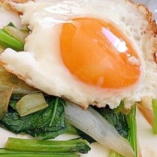 ダイエットに最適!野菜と目玉焼きのコラボレーション